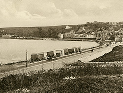 Wheeled Bathing Huts on the seafront Late 1800s - Ref: VS1982