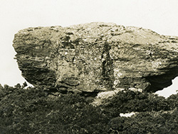 Click to view Agglestone Rock before it fell