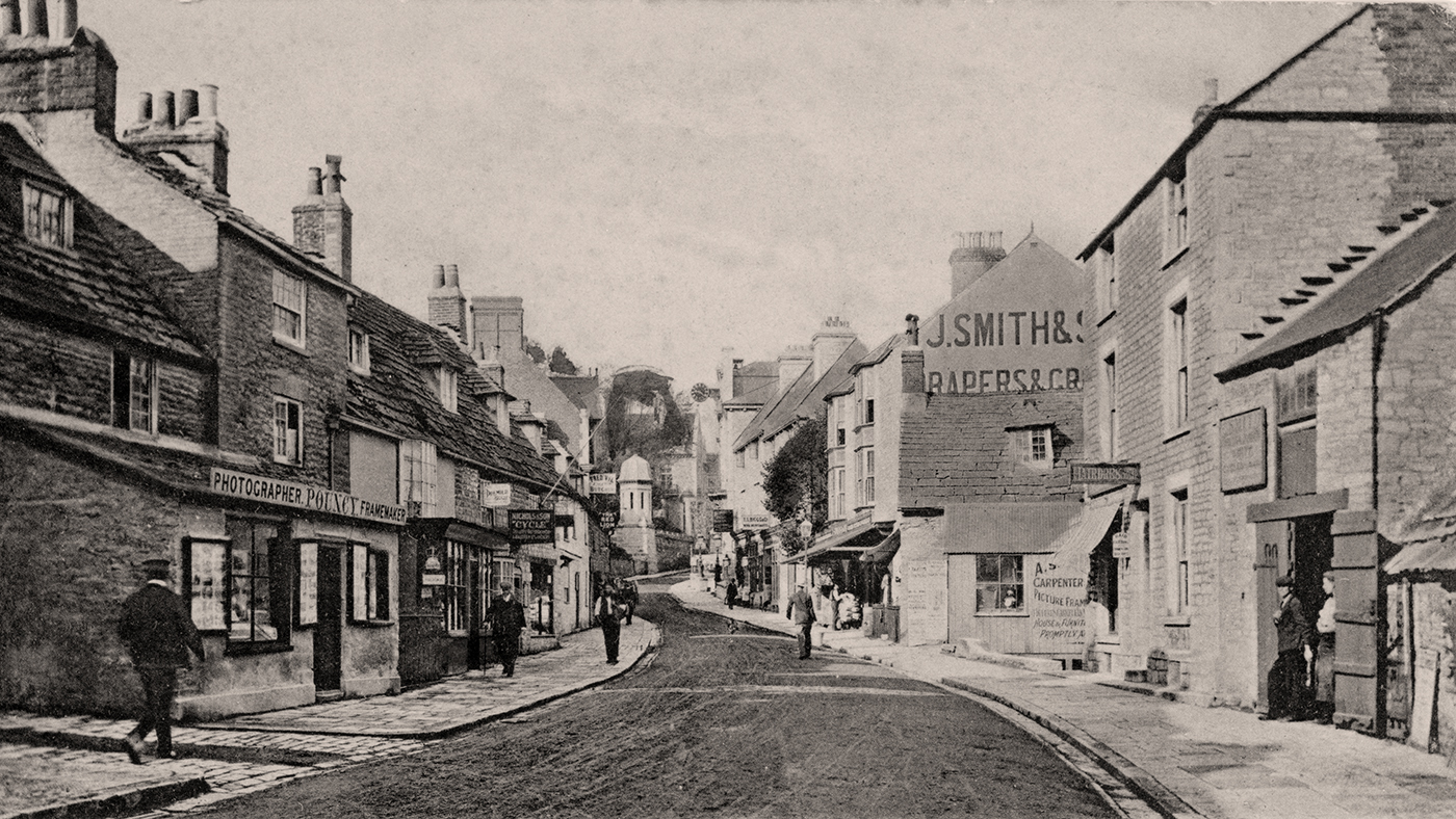 Looking up the High Street 1904