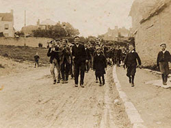 Click to view Procession in Court Hill 1904