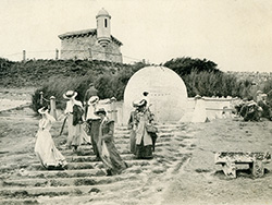 Click to view Edwardian Ladies at the Globe in Durlston 1908