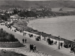 Click to view Swanage Promenade in 1923