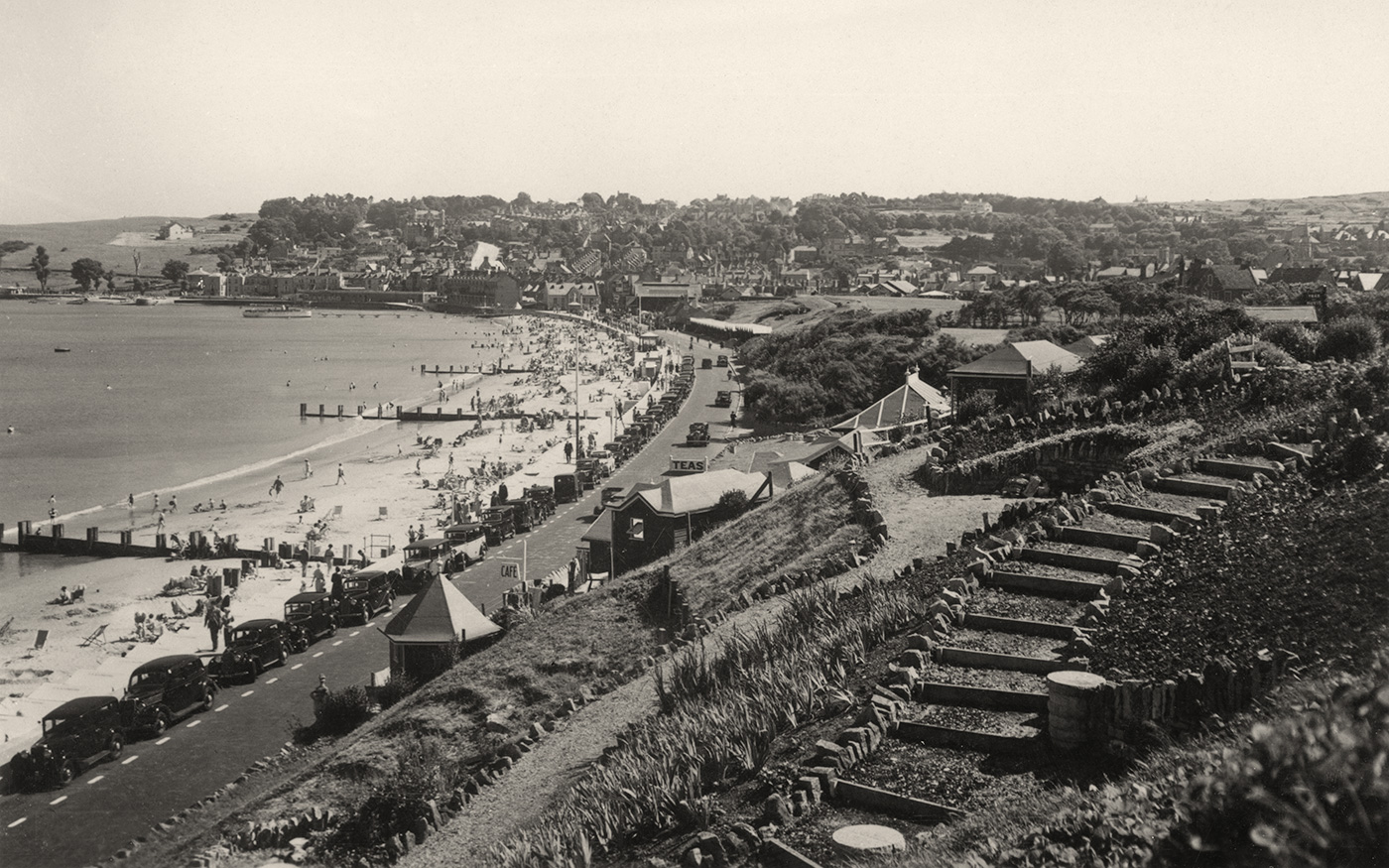 Shore Road and seafront in the 1930s