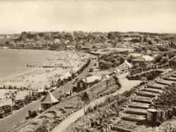 Click to view 1930s Swanage Seafront from the north.