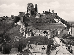Click to view Corfe Castle and the square 1933