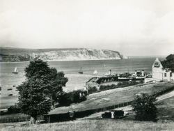 Click to view The Downs and Pier with Paddle Steamers