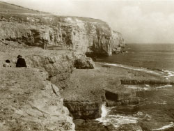Dancing Ledge 1952 - Ref: VS1940