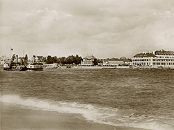 Click to view The Sandbanks Ferry in 1952