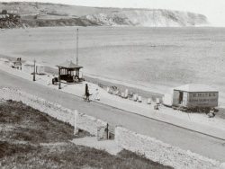 Click to view Shore Road looking North early 1900s