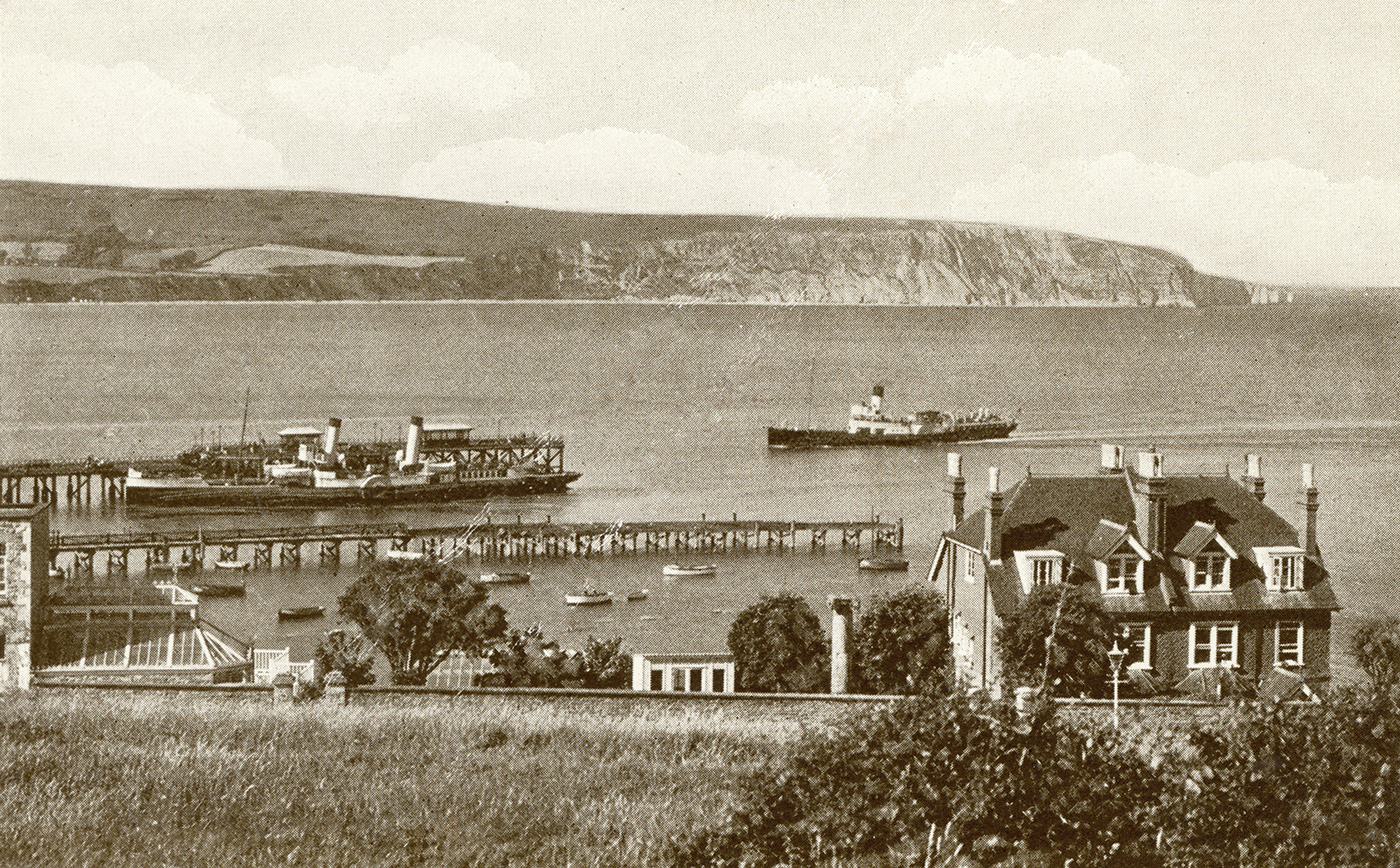 The Piers and paddle steamers