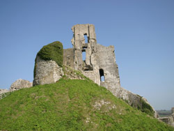 Click to view Corfe Castle from the west