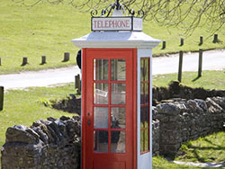 Old telephone box - Ref: VS946