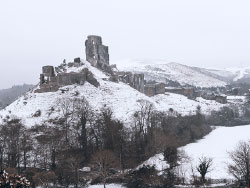 Click to view Corfe Castle in the Snow