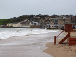 Click to view Storms in Swanage Bay