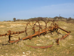 Old farm machinery - Ref: VS1681