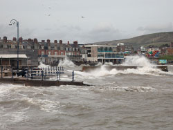 Storms on Swanage Seafront - Ref: VS1685
