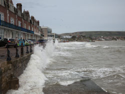 Storms on Swanage Seafront - Ref: VS1686