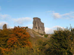 Click to view Corfe Castle in the Autumn