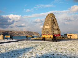 Click to view Swanage war memorial in the snow