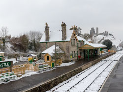 Snow on the tracks at Corfe Station - Ref: VS1845