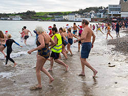Click to view Boxing day Swim