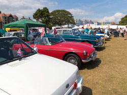 Click to view Classic Car show at Swanage Carnival