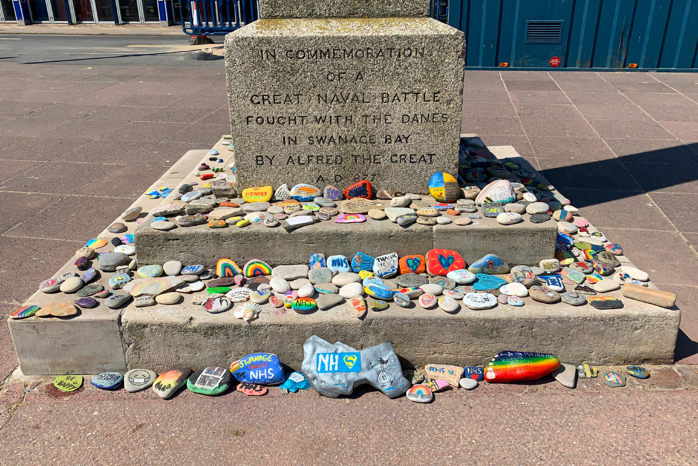 Painted tributes at the King Alfred Memorial