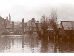 Click to view Kings Road Floods in 1914