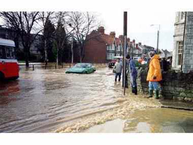 Church Hill and Kings Road floods in 1990