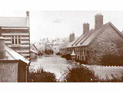 Click to view Kings Road East Floods in 1914